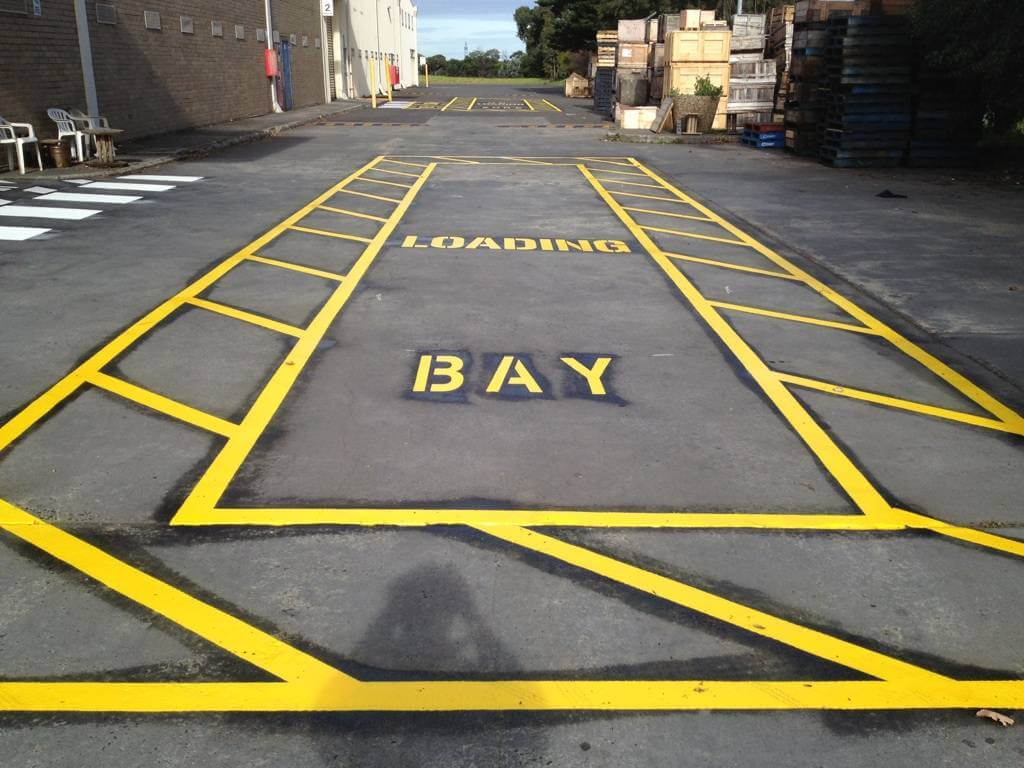 Truck loading bay w exclusion zone