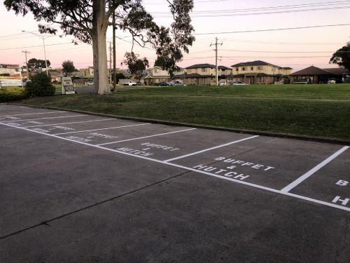 Buffet & Huch car Park
